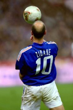 """Zinedine """"Zizou"""" Zidane More  – mail_maika"""