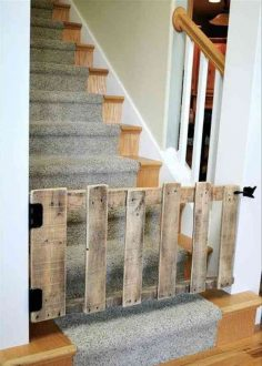 Recycle pallet to make a barrier in the staircase  – nadinedegeilh