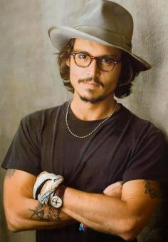 Johnny Depp : Changed Hat Of Jack Sparrow Like and Repin. Noelito Flow instagram www.instagram.com…  – Lindsayrobe10