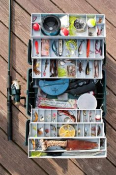 With warmer weather comes more time for fishing. Learn about the 10 pieces of fishing equipment every fishing tackle box should have.  – kourtney19