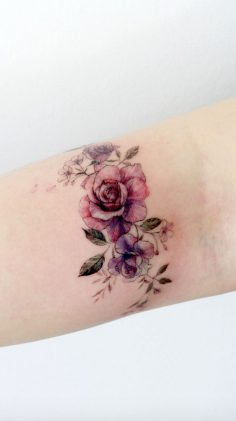 Simple Tattoo Designs To Carry Your Favorite Flower On Your Skin. Are you looking for a classy and beautiful tattoo with a deep meaning? You should definitely consider getting one of these simple flower tattoos. Elegant and simple flower tattoos.  – Lilipucien